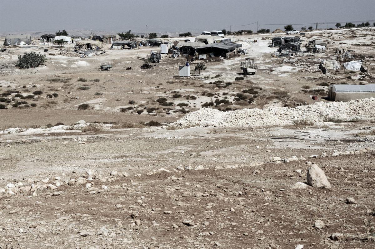 سوسيا: تجمع سكاني يواجه خطر التهجير القسري في أية لحظة -حزيران 2015- تقرير يستند إلى الوقائع من إعداد مكتب الأمم المتحدة لتنسيق الشؤون الإنسانية أوتشا (إنجليزي).